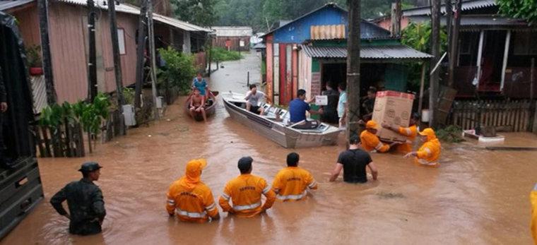 Mais de mil famílias desabrigadas pela cheia do Rio Madeira