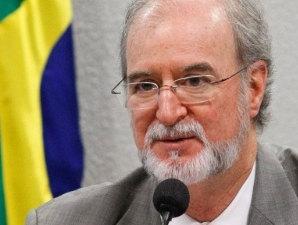 Réu no mensalão mineiro, tucano Azeredo vai renunciar ao mandato de deputado