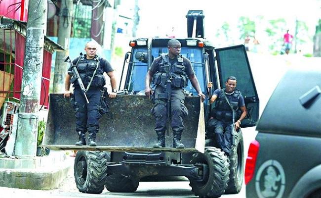 Cúpula da segurança do Rio definem nesta segunda ocupação de favelas por forças federais