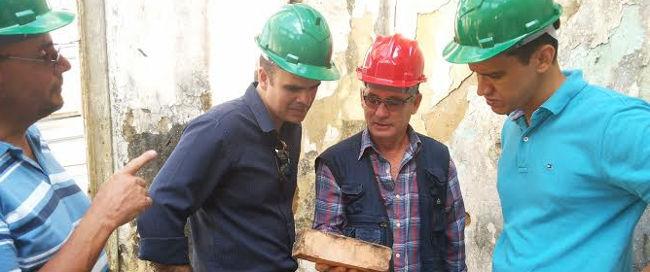 Alan Queiroz acompanha evolução das obras da antiga sede da Câmara