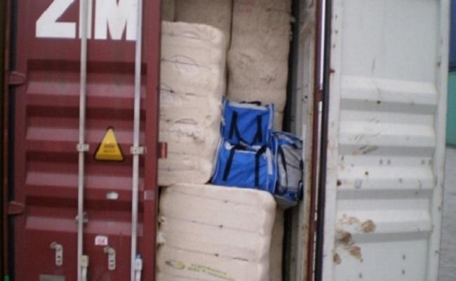 PF apreende 3,7 toneladas de cocaína em operação no porto de Santos
