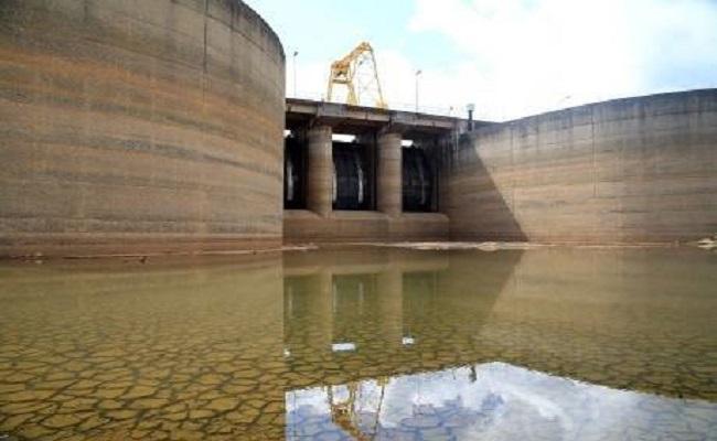 Nível de água do Sistema Cantareira cai abaixo dos 11% pela 1ª vez