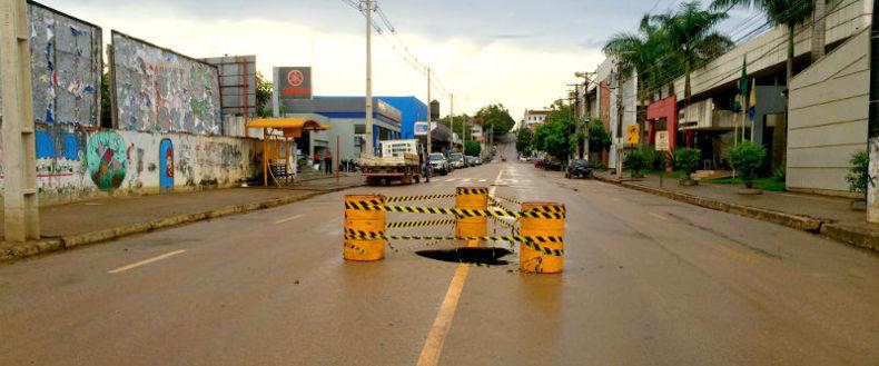 Semtran libera parte do tráfego de ruas que foram alagadas