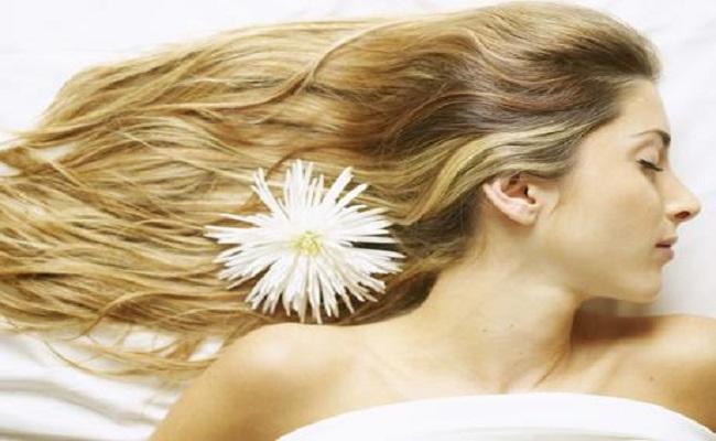 Usar condicionador antes do xampu deixa cabelo mais bonito