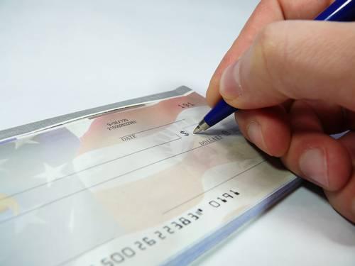 Inflação e gastos de início de ano puxam aumento de cheques sem fundos no país