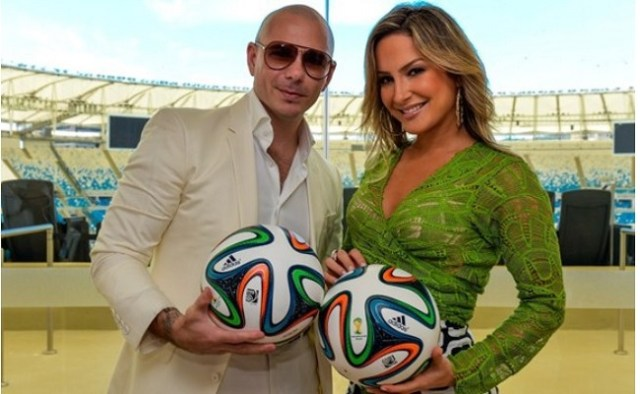 "Parceria entre Pitbull, Jennifer Lopez e Claudia Leitte faz parte do disco ""One Love, One Rhythm"""