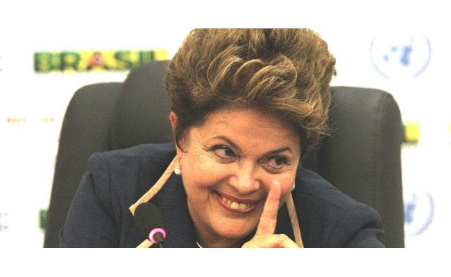 Dilma é retratada fazendo sexo oral