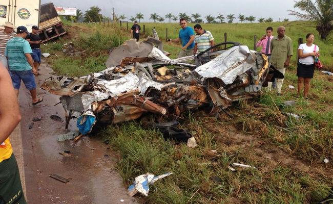 Grave acidente entre Jaru e Ouro Preto mata dois; veja fotos