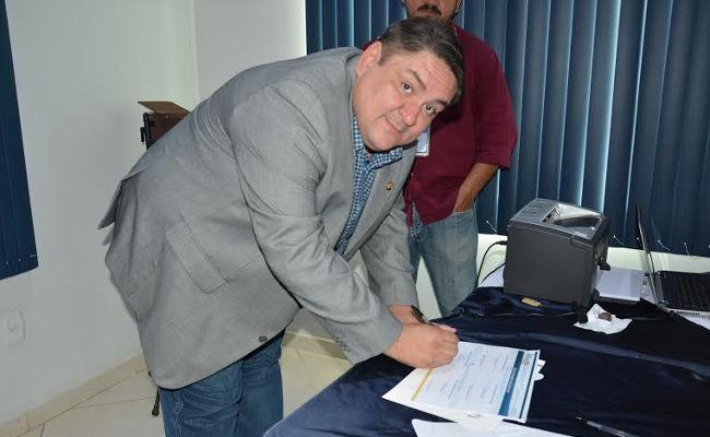 Raniery Coelho é reeleito para presidência da Fecomércio