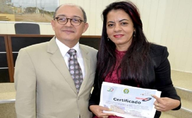 TRT emite diploma à prefeita de Jaru por agilidade administrativa nos pagamentos de precatórios