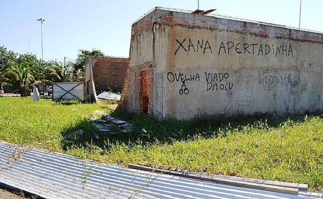 Obras milionárias estão abandonadas em parque da capital