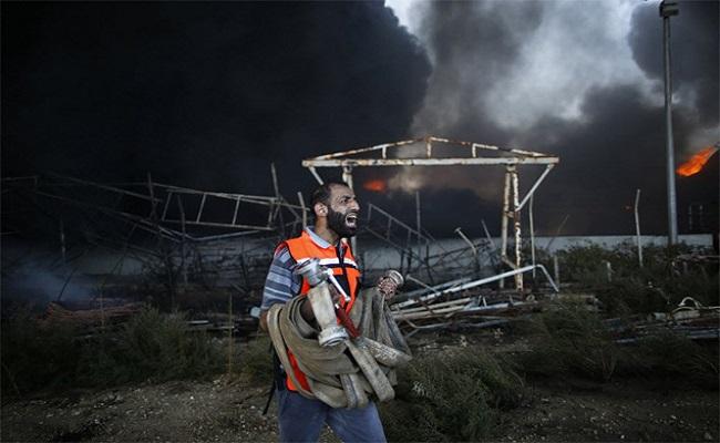 Bombardeio israelense deixa única central elétrica de Gaza inoperante