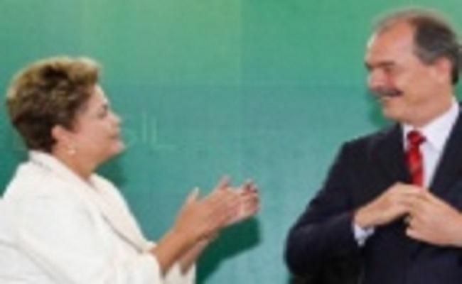 Após crise, PT tenta fazer de Mercadante o chefe da campanha
