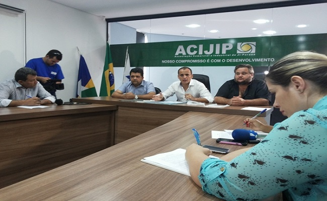 Acijip reúne empresários e imprensa para debater sobre a lei das sacolas biodegradáveis