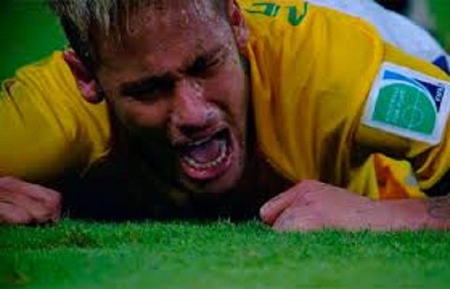Neymar está fora da Copa do Mundo após fraturar vértebra