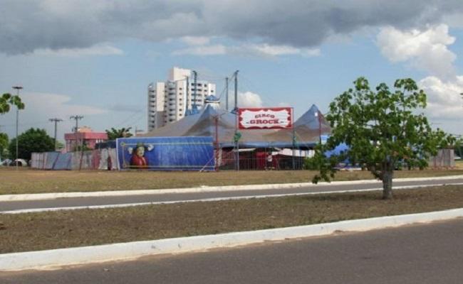 Público não comparece e artistas de circo enfrentam dificuldades em Vilhena
