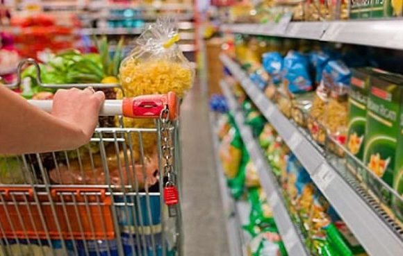 Preço da cesta básica diminui em 16 capitais em abril
