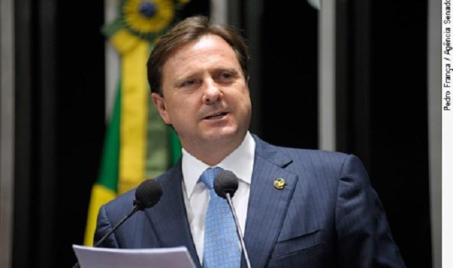 Empresas de deputados e senadores devem R$ 372 milhões à Previdência; Gurgacz entre eles