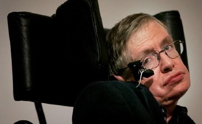 Divulgado primeiro trailer de filme sobre Stephen Hawking