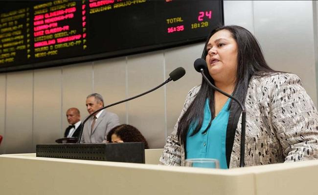 Ex-deputada Ana da 8 é novamente condenada por improbidade