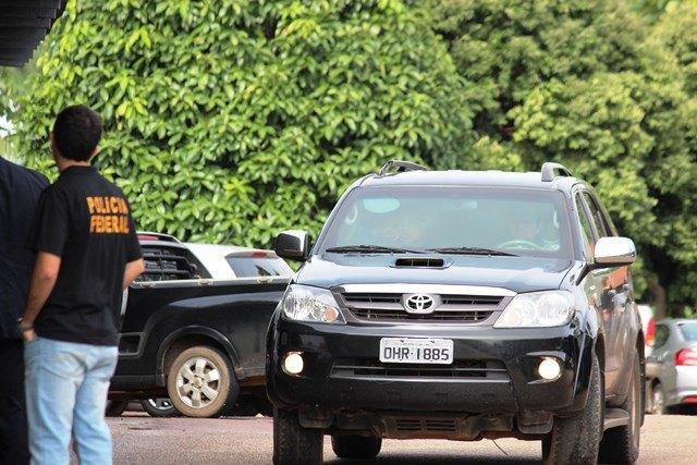 Governador chega à sede da PF para prestar esclarecimentos