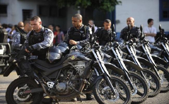 Uso de armas não letais por policiais é prioridade no país a partir de hoje