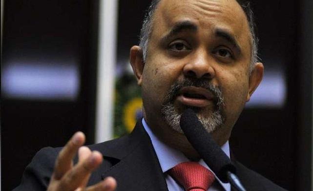 Novo ministro do Esporte de Dilma enfurece grupo de atletas