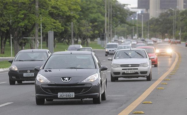 Apreensão do carro por atraso do IPVA gera indenização, dizem especialistas
