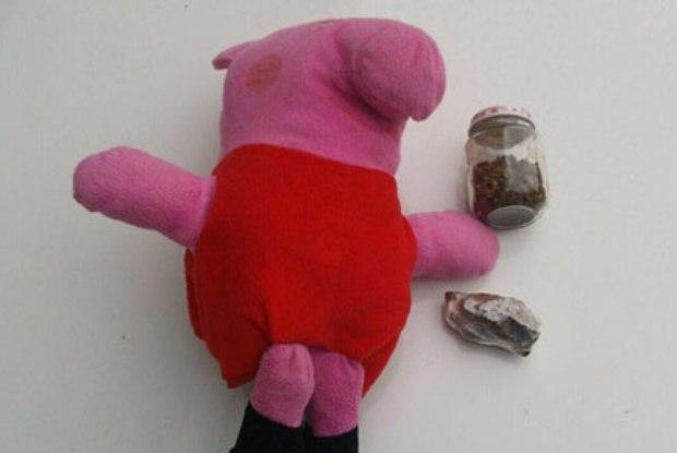 Polícia apreende Peppa Pig recheada de maconha