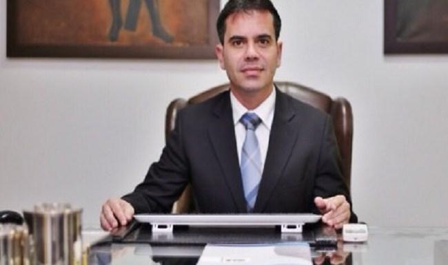 """""""Convite ao bom senso"""", por Andrey Cavalcante"""
