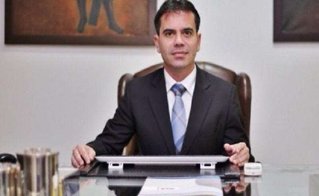 Corrupção e revolta – por Andrey Cavalcante