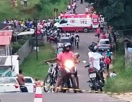 Estudante atropela 17 pessoas após perder controle do veículo