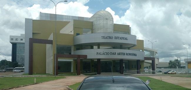 Teatro Estadual inaugurado em 2014 continua sem Alvará