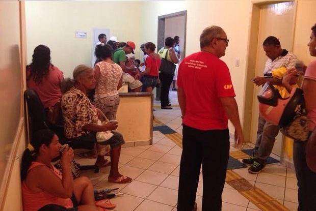 Manifestantes invadem prefeitura e reivindicam casas prometidas a atingidos pela cheia do Madeira