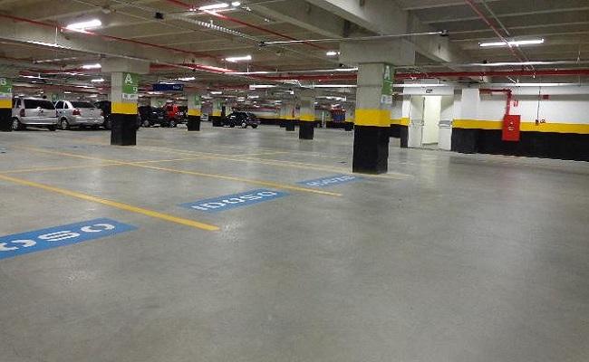 Estacionamentos de shoppings e supermercados de BH voltam a cobrar, após decisão da justiça