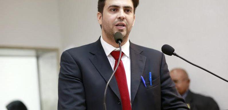 Léo Moraes quer isenção de taxas na segunda via de RG