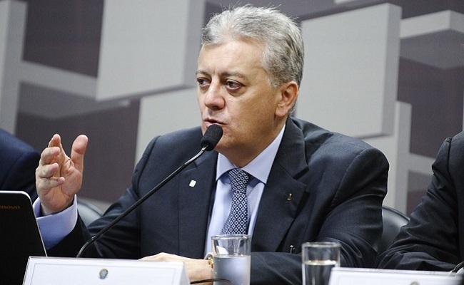 Preço de combustíveis no Brasil é 'justo', diz presidente da Petrobras