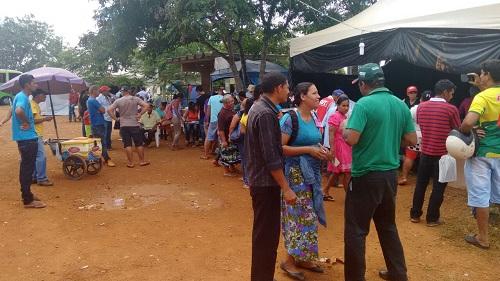 Eles estão acampados no INCRA e pedem a solução para o impasse. São moradores de áreas que foram alagadas