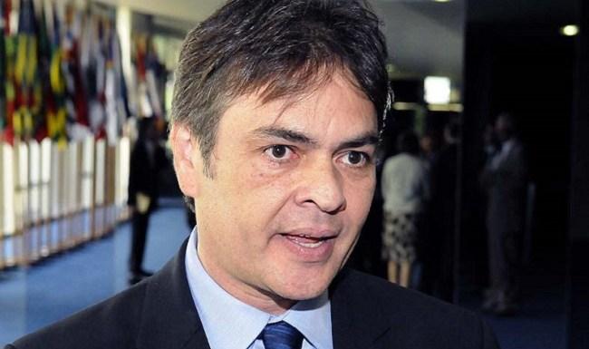 'O governo Dilma acabou', diz Cássio Cunha Lima