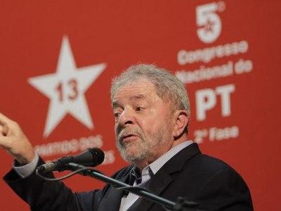 Lula está reunido com deputados para discutir rumos do PT