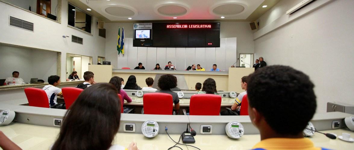 Deputados estaduais revogam auxílio-alimentação de R$ 6 mil; agora podem receber R$ 9 mil