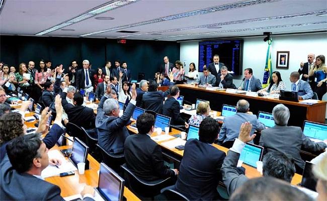 """Corrupção poderá ser enquadrada como """"crime hediondo"""" no Brasil"""