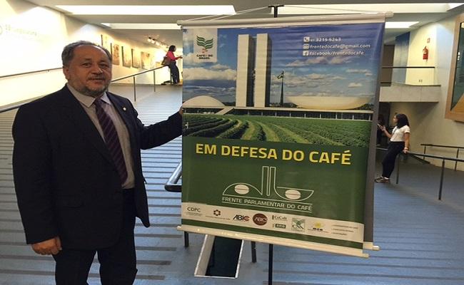 Luiz Cláudio preside os trabalhos da audiência pública sobre o café brasileiro