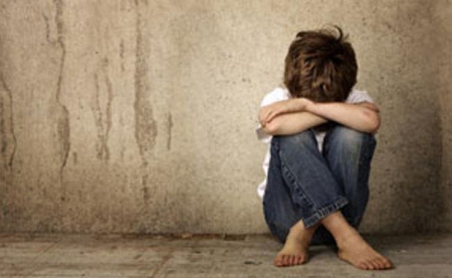 Criança de 7 anos é abusada e fotografada nua em Cuiabá, diz PM