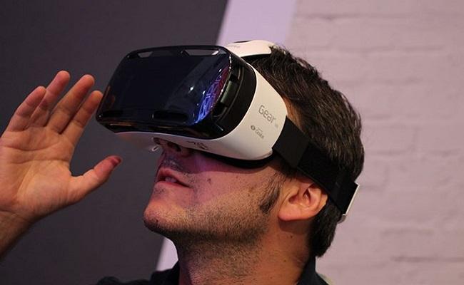 Óculos de realidade virtual capaz de usar o smartphone da Samsung chega ao Brasil em dezembro por R$ 800
