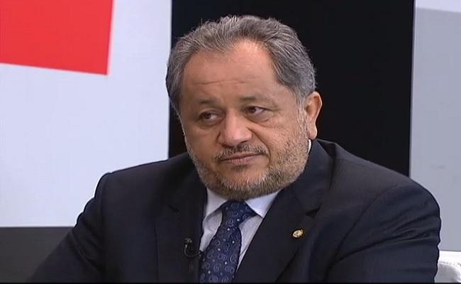 Luiz Cláudio nega cargos, mas não revela posição sobre impeachment