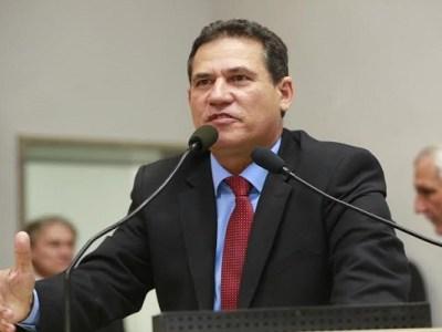 Maurão apresenta projeto concedendo título de cidadania a ex-servidor da Casa