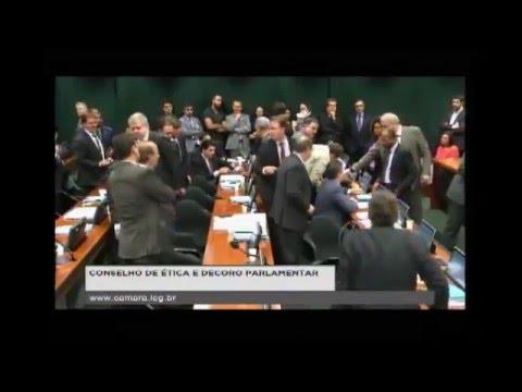 Veja o vídeo da briga no Conselho de Ética da Câmara dos Deputados