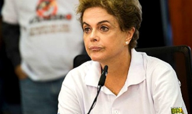 Dilma exalta presunção de inocência em posse de ministros