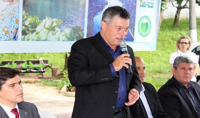 Edson Martins participa da abertura da Semana da Água